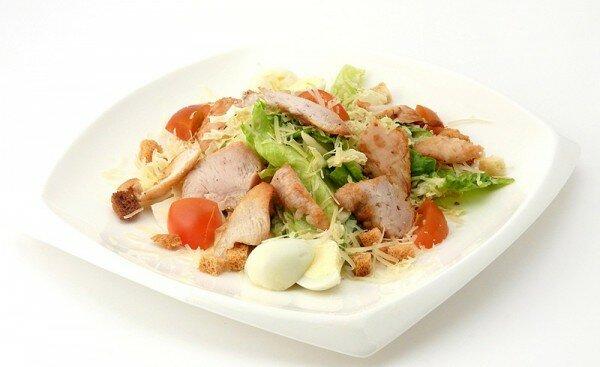 Салат Цезарь с курицей - рецепт приготовления
