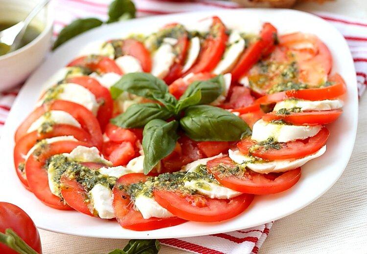 как сделать салат из помидоров