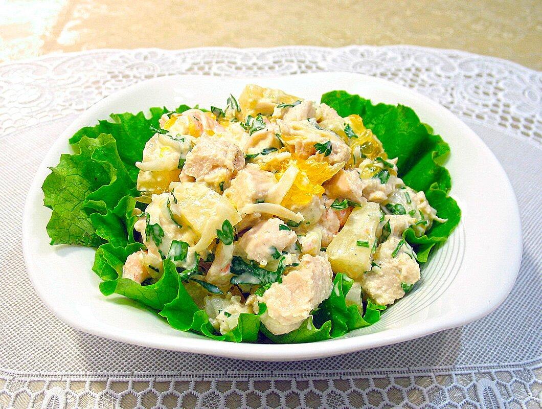 красивый салат с ананасами