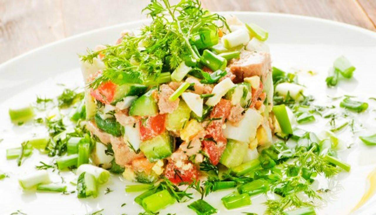 салат из помидоров вкусный
