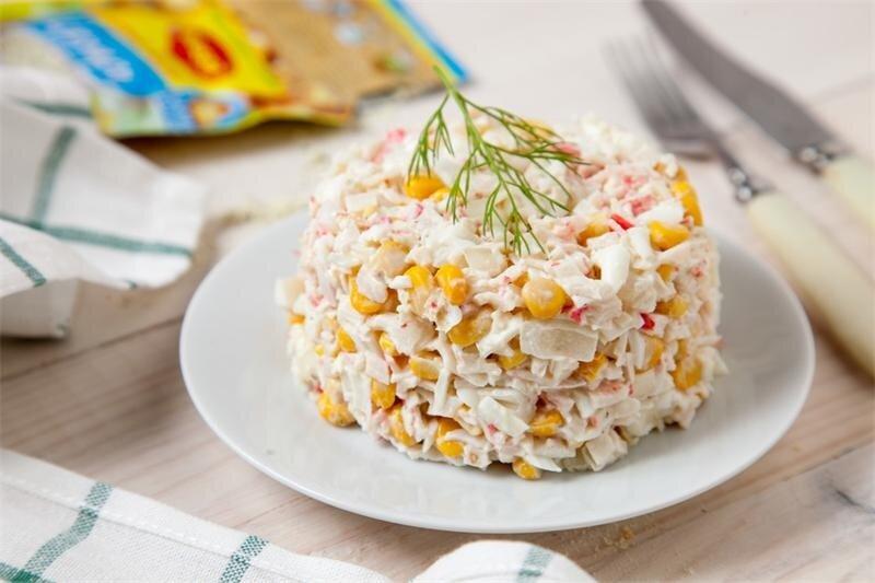 салат с кукурузой и крабовыми палочками рецепты