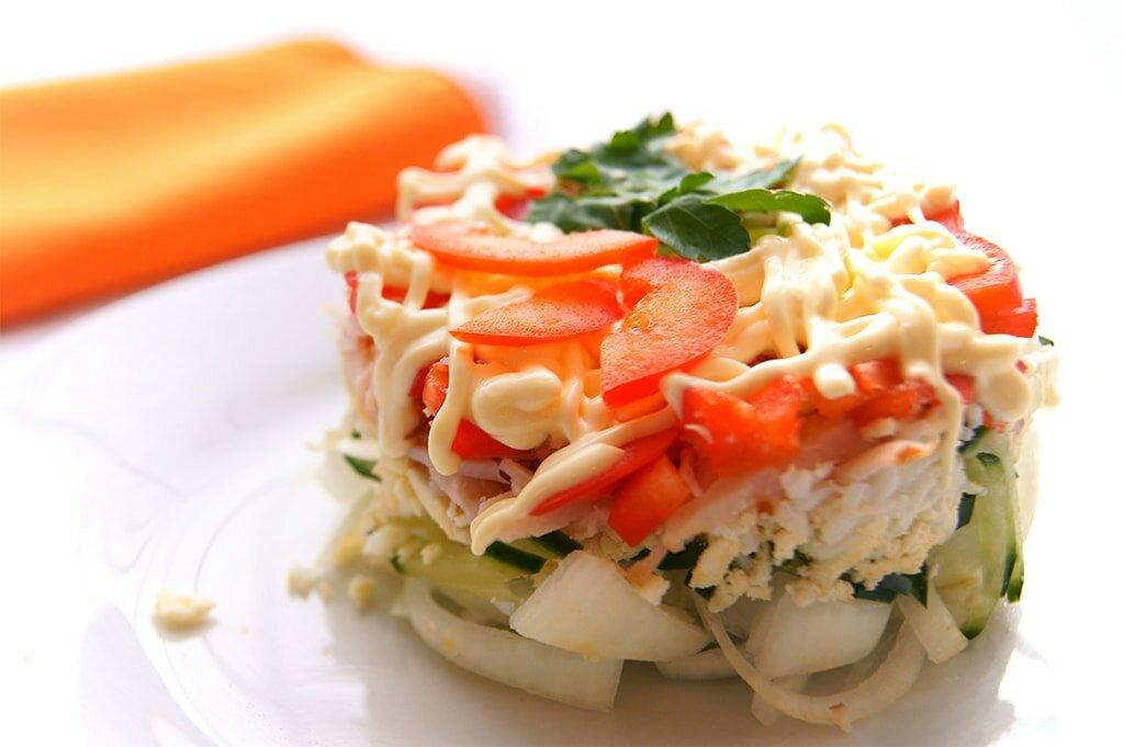 вкусный диетический салат из кальмаров