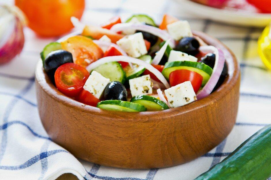 как приготовить салат греческий с креветками
