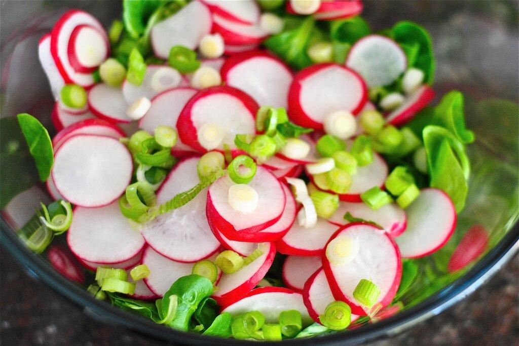 как приготовить салат из редиски