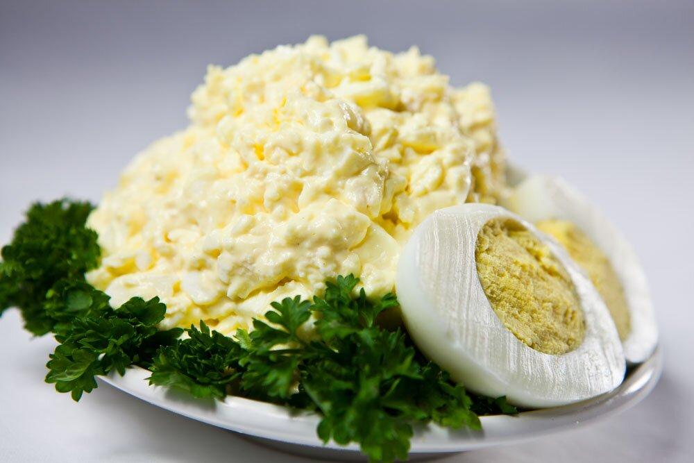 салат из кальмаров с яйцами рецепты