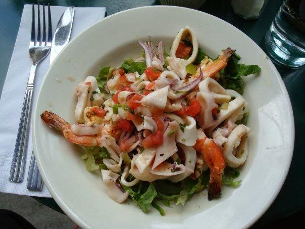 салат из кальмаров с яйцами рецепт с фото